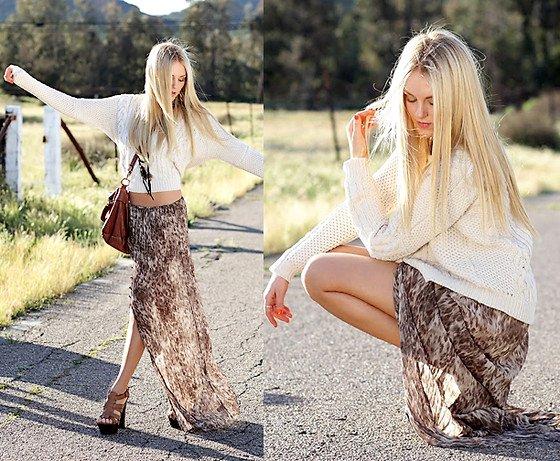 embedded_boho_skirt_outfit