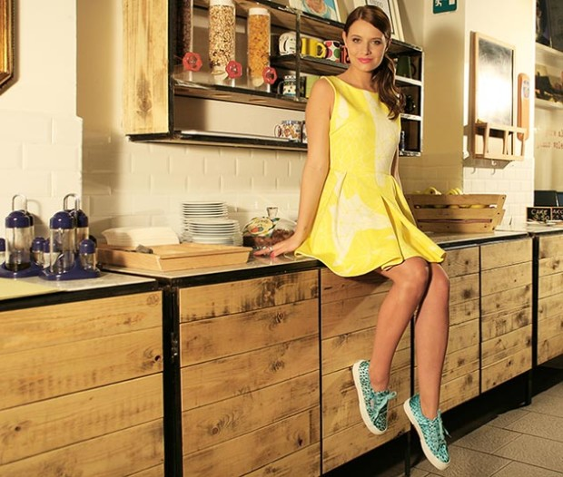 style_tips_for_wearing_a_sundress_fashionisers