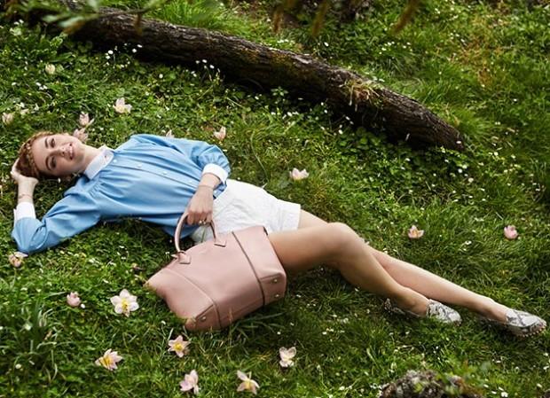 Chiara_Ferragni_for_Louis_Vuitton_Soft_Lockit_handbag_campaign4