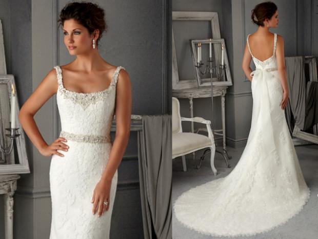 embedded_Lace_Sheath_Wedding_Dress